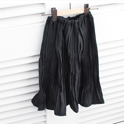 2 types of Pleats Antique Black