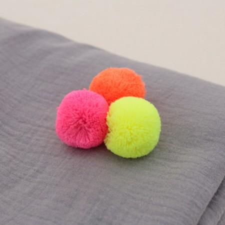 Full-color fluorescence Pom 3cm (3 species)