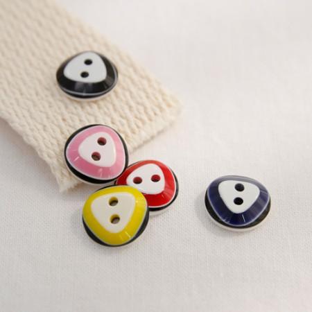 5ea) Triangle button (5 species)