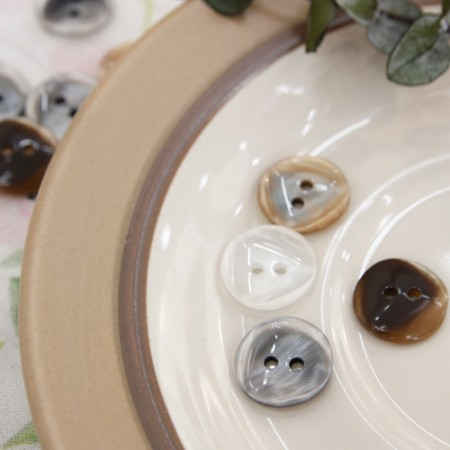 5ea) 13mm round shell buttons (3 types)