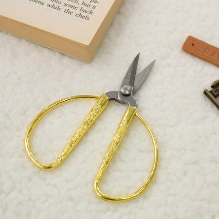 Brass thread scissors