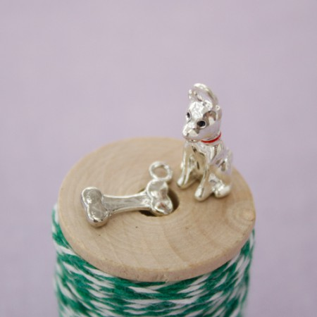 Charm) Puppy & bone