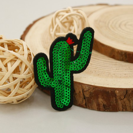 Sewing ceremony fan) Spangled cactus [36]