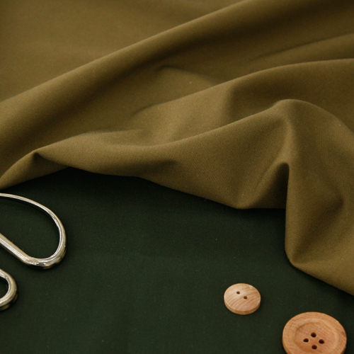 - SP spandex plain) The feeling of falling down without wrinkles is luxurious (two kinds)