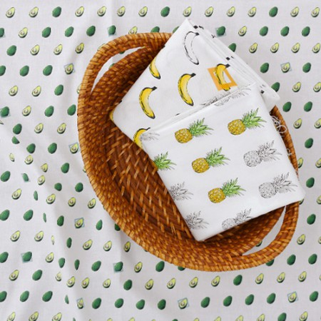 Cotton fabric DTP20 horizontal straight) tropical fruit pattern (3 species)