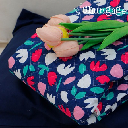 Cotton 20 Horizontal Straight Nouveau Fabric) Coco Berry
