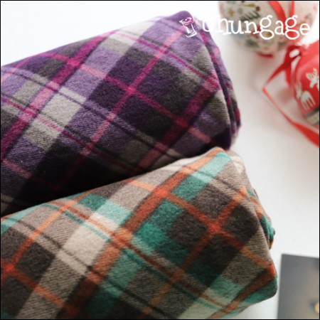 Large-span brushed knit) tartan check (two kinds)