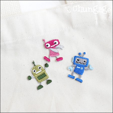 Adhesive Waist Fan Mini Robot Embroidery Patch Wafer (3 Types) [086]